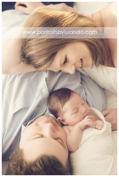 best newborn photographer in olathe, overland park, kansas city, leawood, kid photographer, portrait photographer, newborn photo session, portraits by lucinda, babies first year photographer