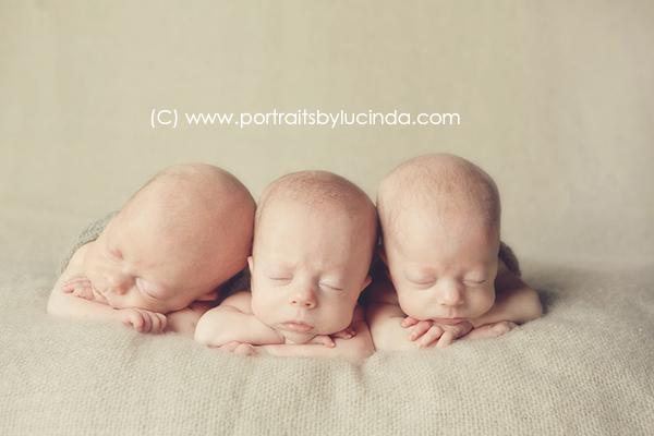 best newborn photographer in olathe, overland park, kansas city, leawood, kid photographer, portrait photographer, newborn photo session, triplets, multiples newborn photography, MoMo twins