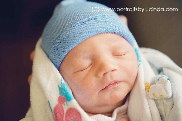 fresh 48 session in hospital, kansas city's best newborn photographer, birth photographer, overland park baby photographer, olathe, portraits by lucinda