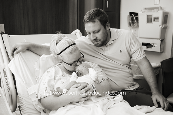 fresh 48 session in hospital, kansas city's best newborn photographer, birth photographer, overland park baby photographer, olathe, portraits by lucinda